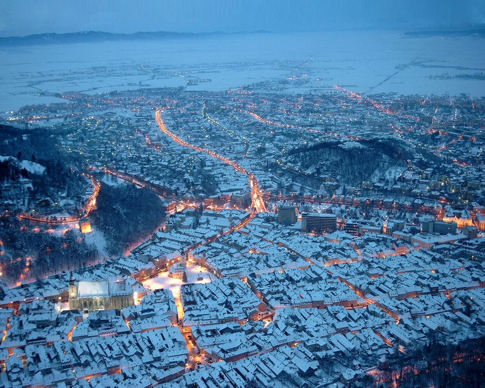 Brasov__Romania_in_winter_time_by_theend